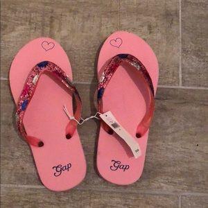 New Gap flip flops